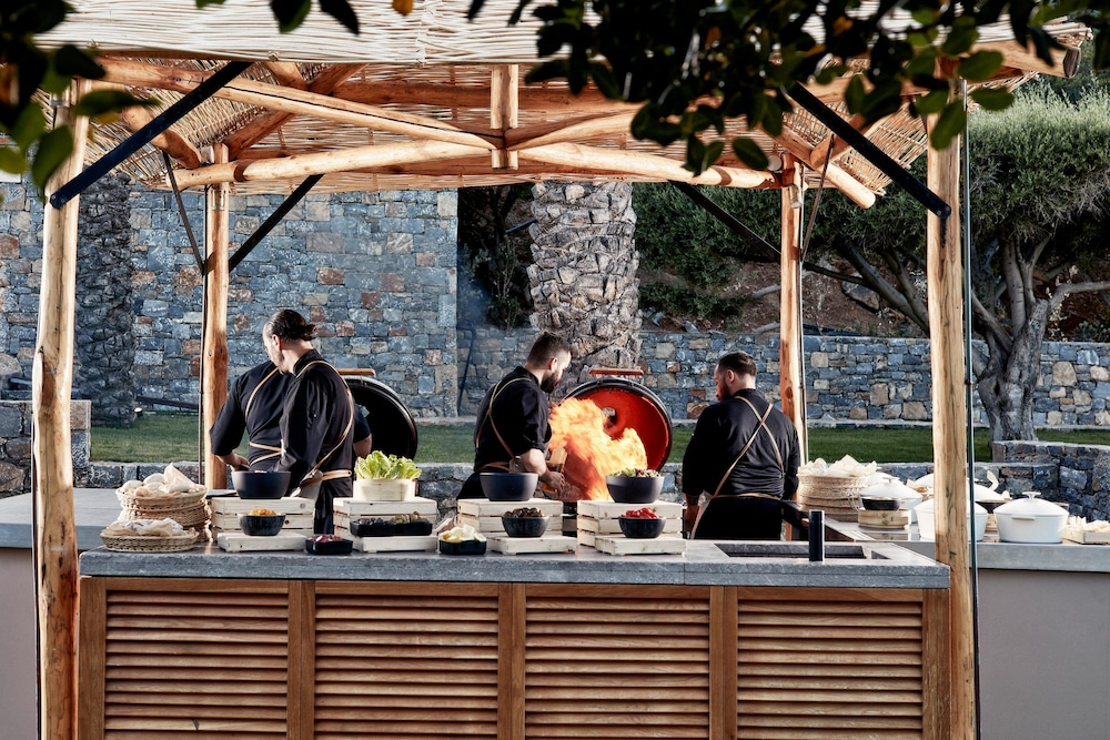 BBQ/Picnic Area, Blue Palace, a Luxury Collection Resort and Spa, Crete