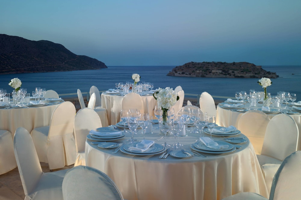 Outdoor Banquet Area, Blue Palace, a Luxury Collection Resort and Spa, Crete
