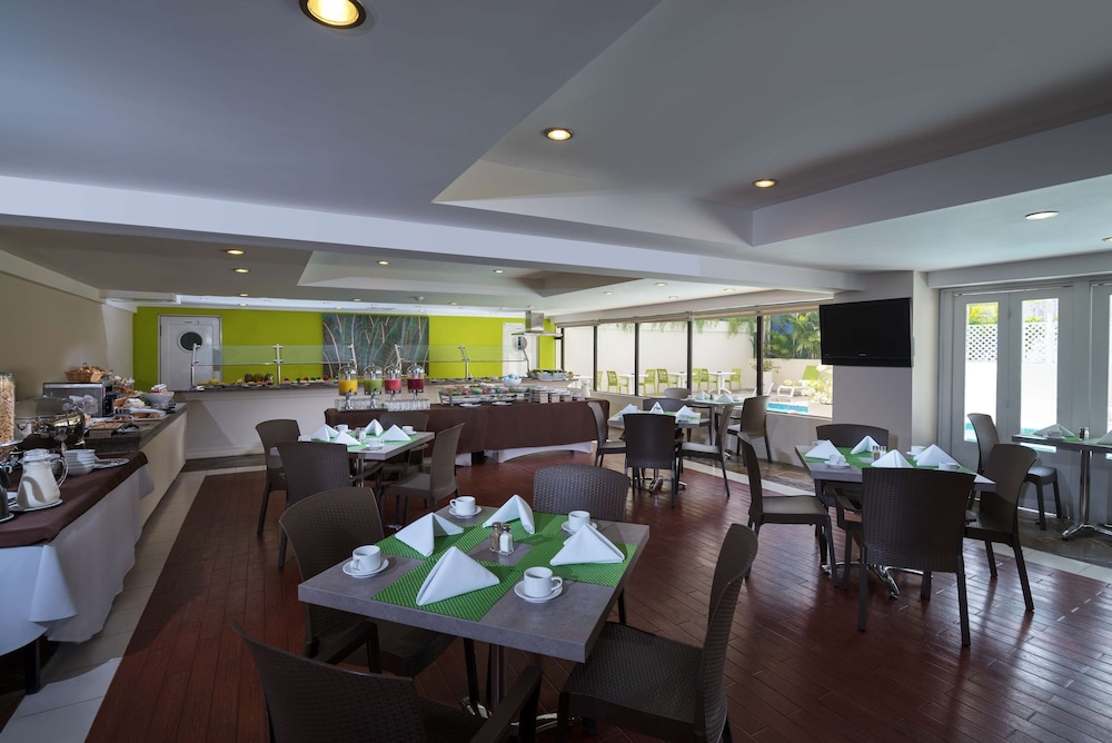 Restaurant, Radisson Hotel Santo Domingo