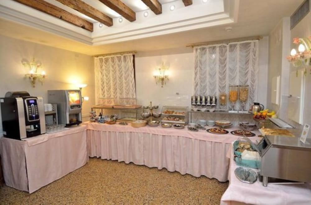 Breakfast Area, Hotel Da Bruno