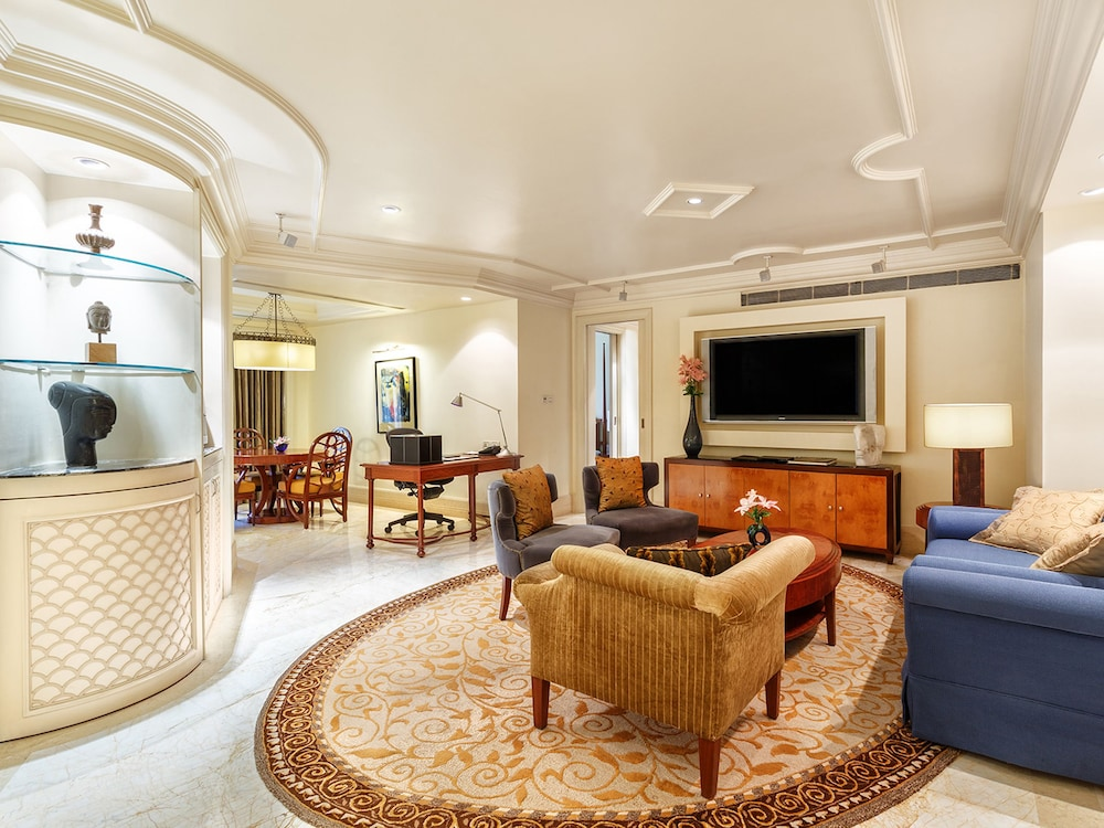 Living Area, The Claridges New Delhi