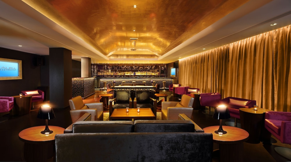 Bar, The Claridges New Delhi
