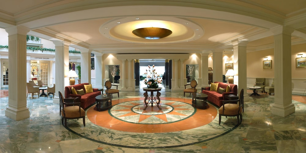 Lobby, The Claridges New Delhi