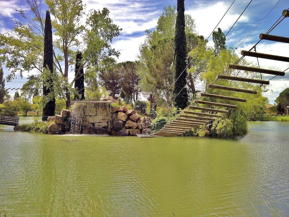 Soleil Vacances H U00f4tel Club R U00e9sidence Les Amandiers  Arles