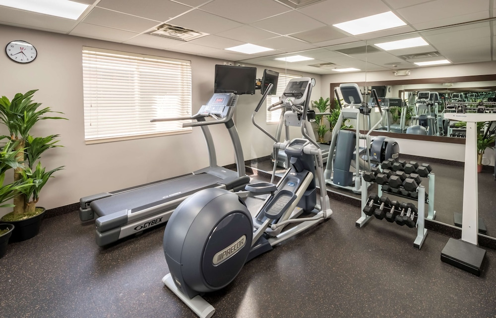 Fitness Facility, Country Inn & Suites by Radisson, Rochester-Pittsford/Brighton, NY
