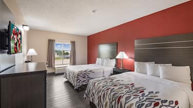 Red Roof Inn & Suites Austin East - Manor