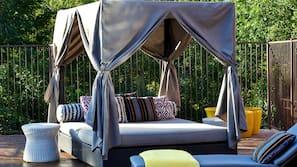 室外泳池;07:00 至 22:00 開放;免費小屋、泳池傘