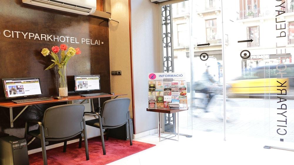 Book hlg citypark pelayo barcelona hotel deals - Oficinas pelayo barcelona ...