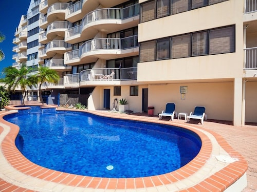 Broadbeach Travel Inn Apartments