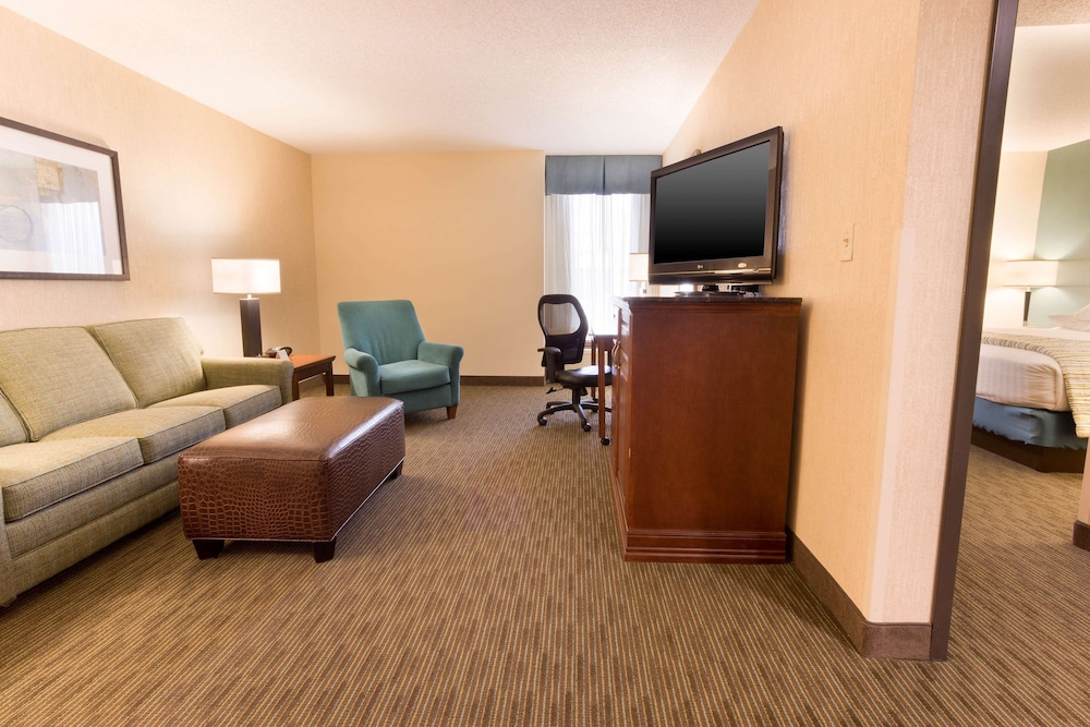 Room, Drury Inn & Suites Southwest St. Louis