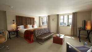 In-room safe, free WiFi, alarm clocks, wheelchair access