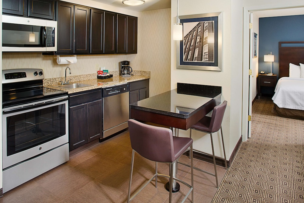 Private Kitchen, Homewood Suites by Hilton Manchester/Airport