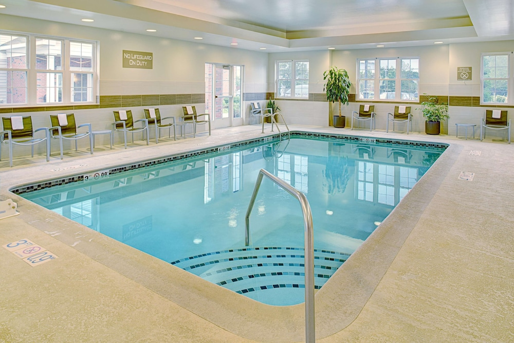 Pool, Homewood Suites by Hilton Manchester/Airport
