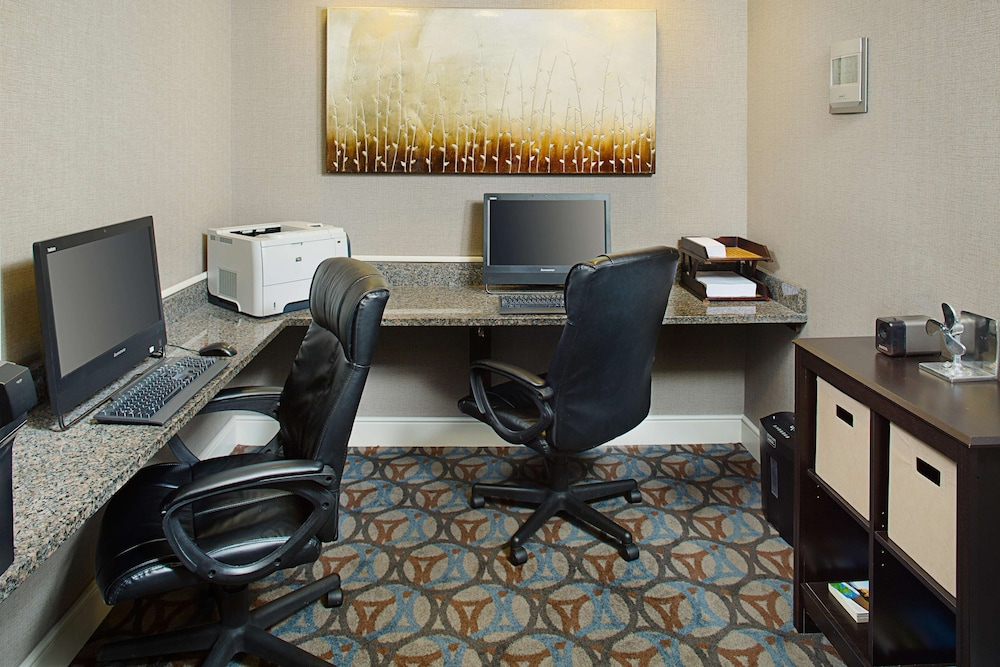 Business Center, Homewood Suites by Hilton Manchester/Airport