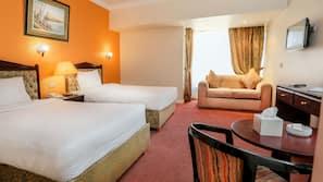 1 bedroom, Egyptian cotton sheets, pillowtop beds, minibar