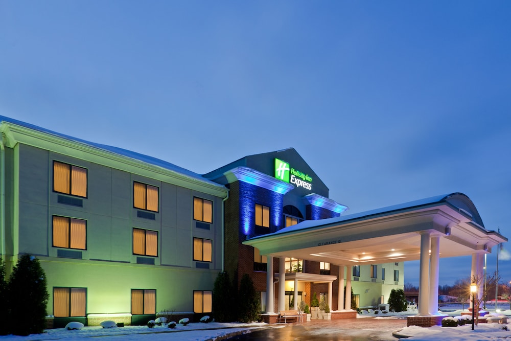 Exterior, Holiday Inn Express Newton Falls