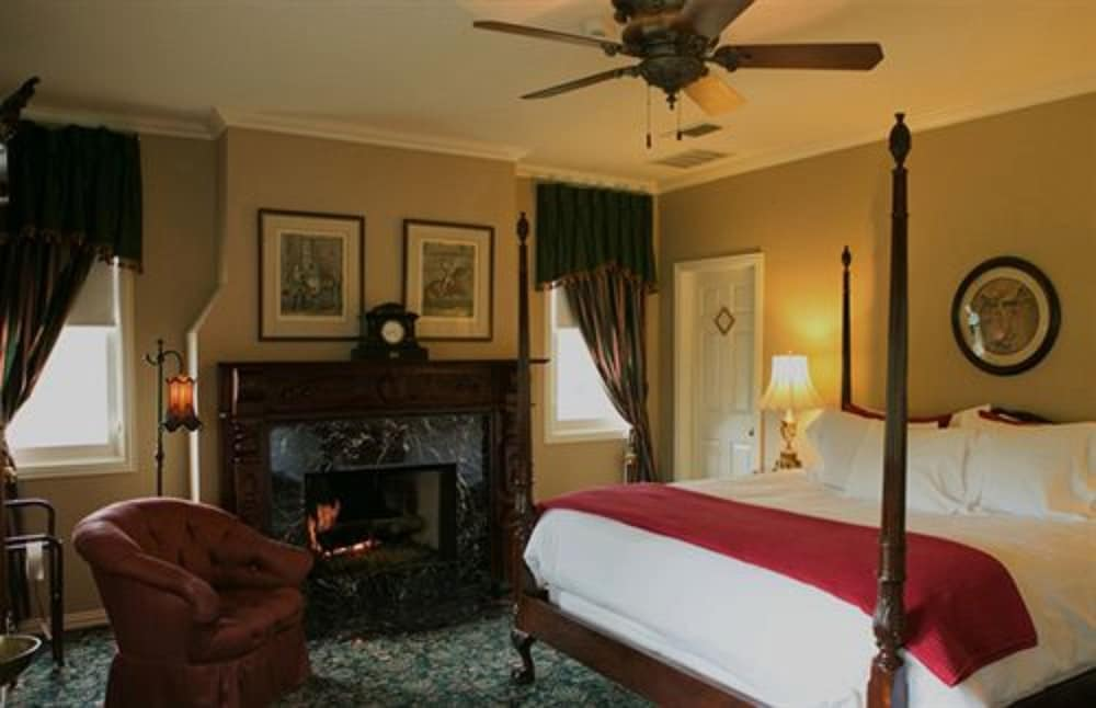 Room, The Sanford House Inn & Spa