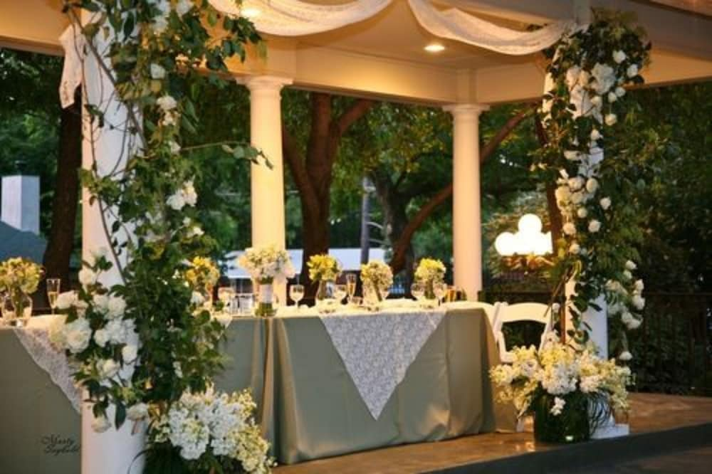 Outdoor Wedding Area, The Sanford House Inn & Spa