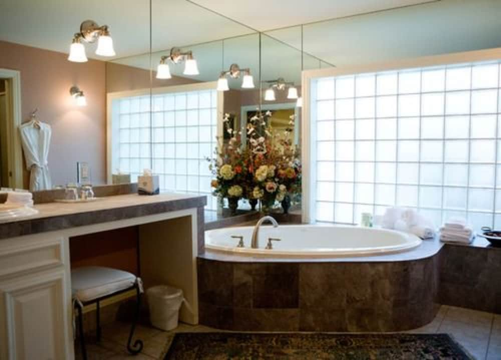 Bathroom, The Sanford House Inn & Spa