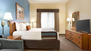 In-room safe, laptop workspace, blackout drapes, iron/ironing board