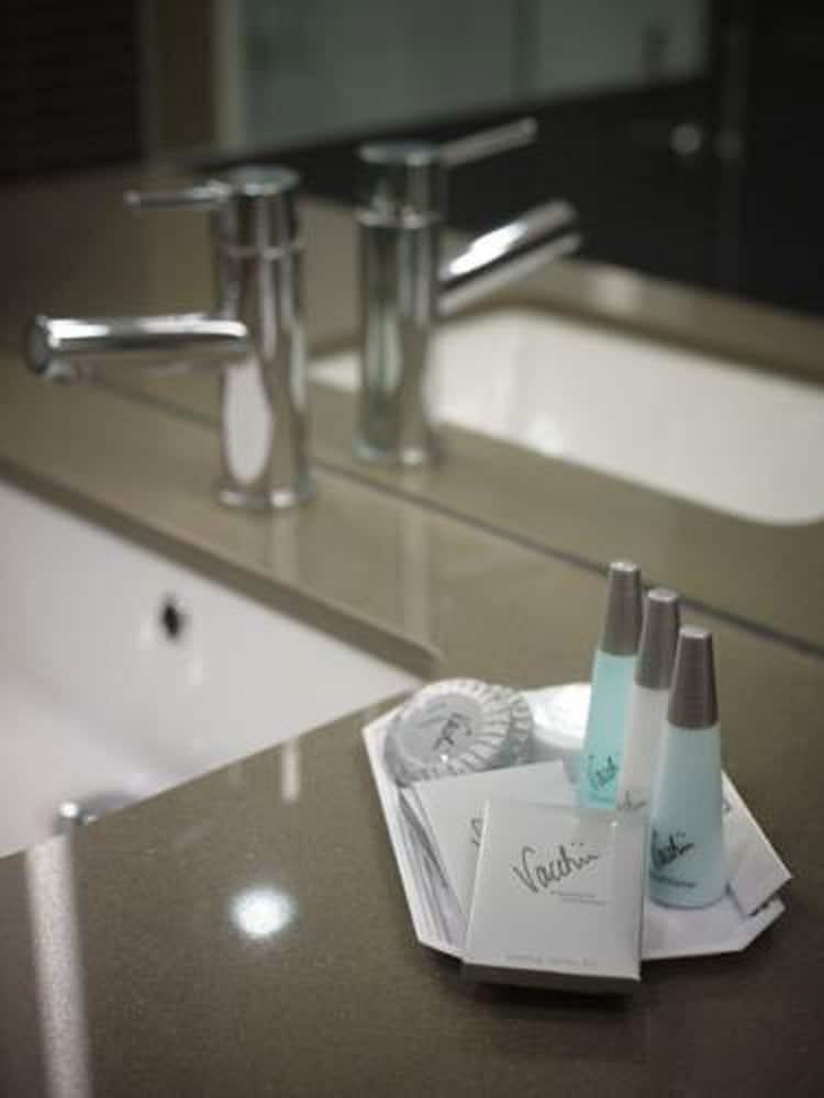 Bathroom Amenities, MGSM Executive Hotel & Conference Centre