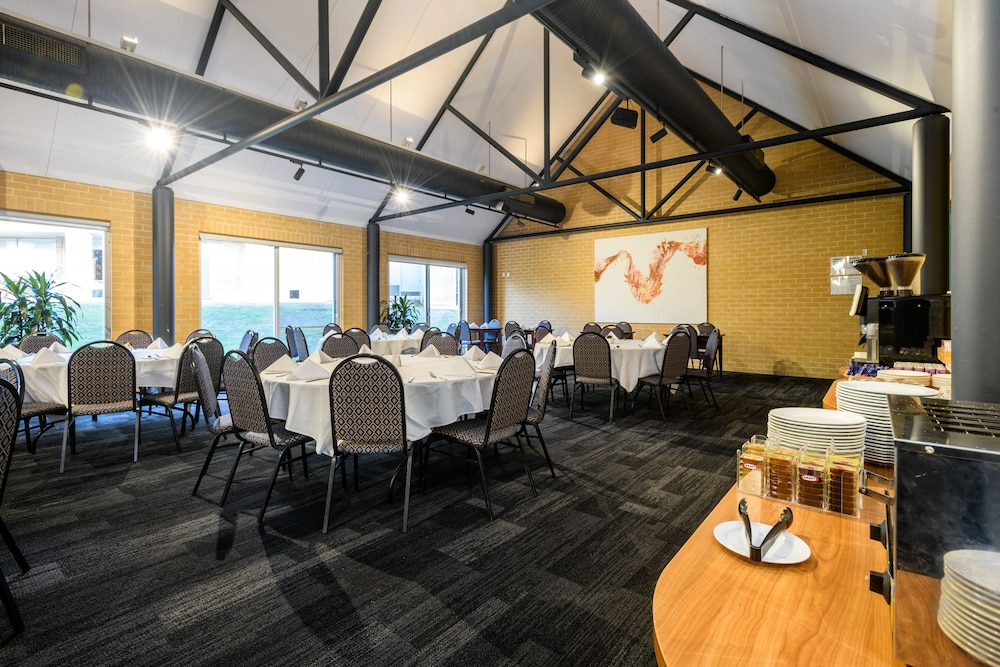 Breakfast Area, MGSM Executive Hotel & Conference Centre