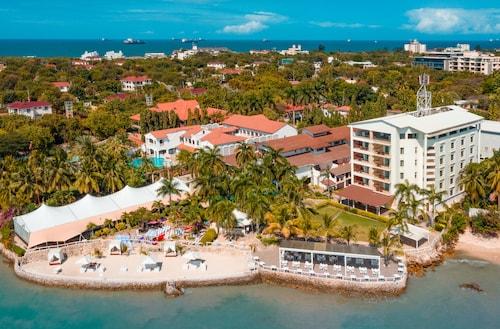 西佳珊瑚海灘飯店