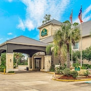La Quinta Inn & Suites by Wyndham Kingwood Houston IAH Airpt