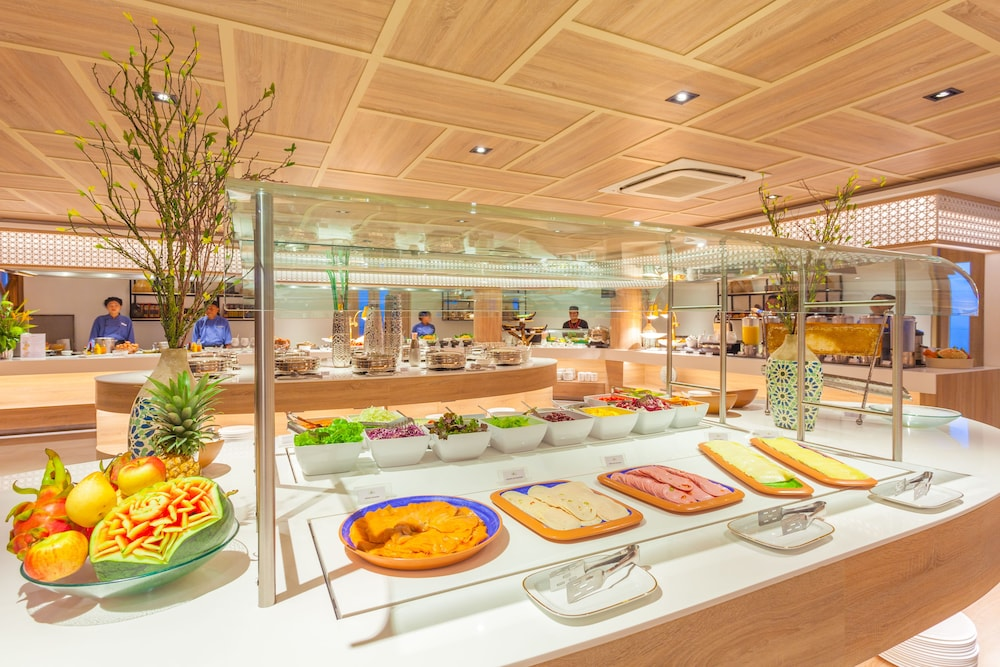 Buffet, Diamond Cliff Resort and Spa