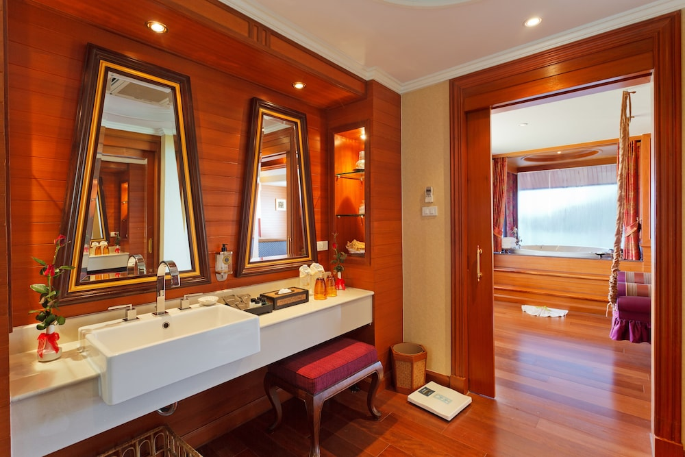 Bathroom Sink, Diamond Cliff Resort and Spa