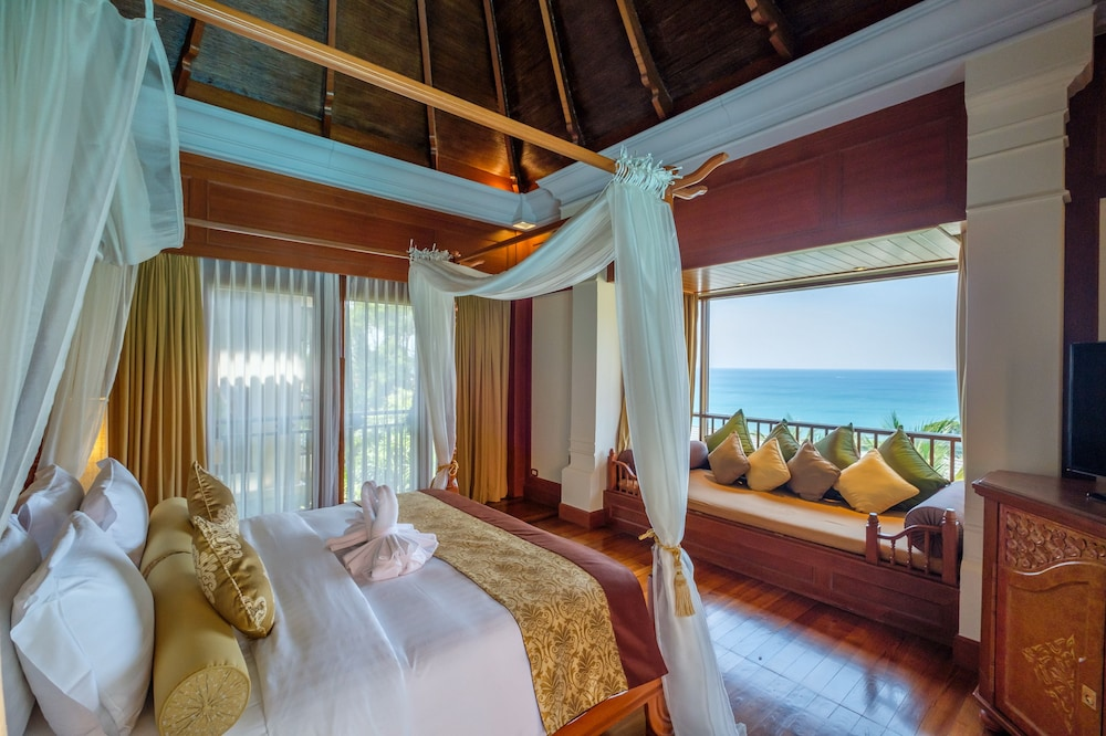 Room, Diamond Cliff Resort and Spa