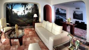 50-inch flat-screen TV with satellite channels, TV, heated floors