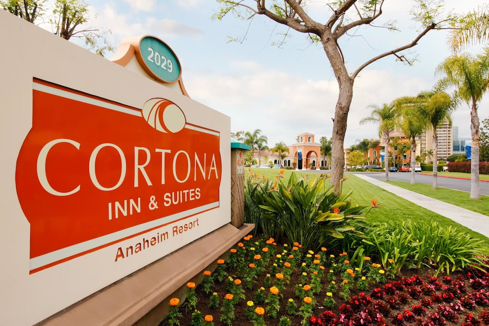 Exterior detail, Cortona Inn & Suites Anaheim Resort