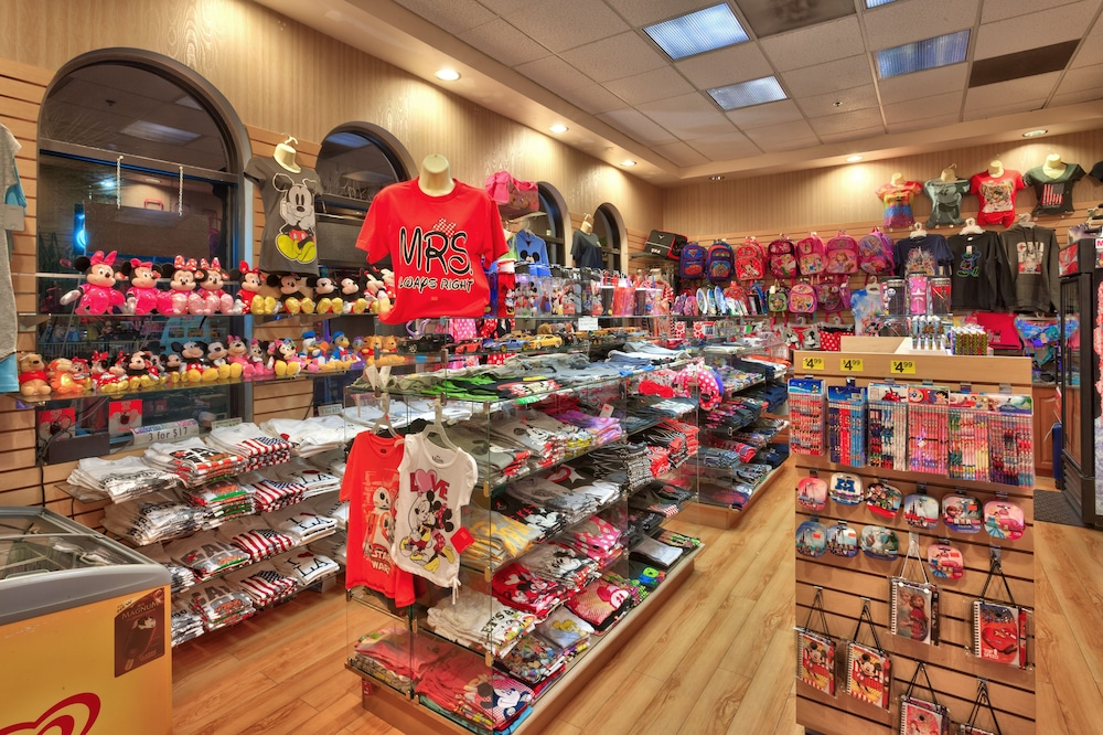 Gift Shop, Cortona Inn & Suites Anaheim Resort