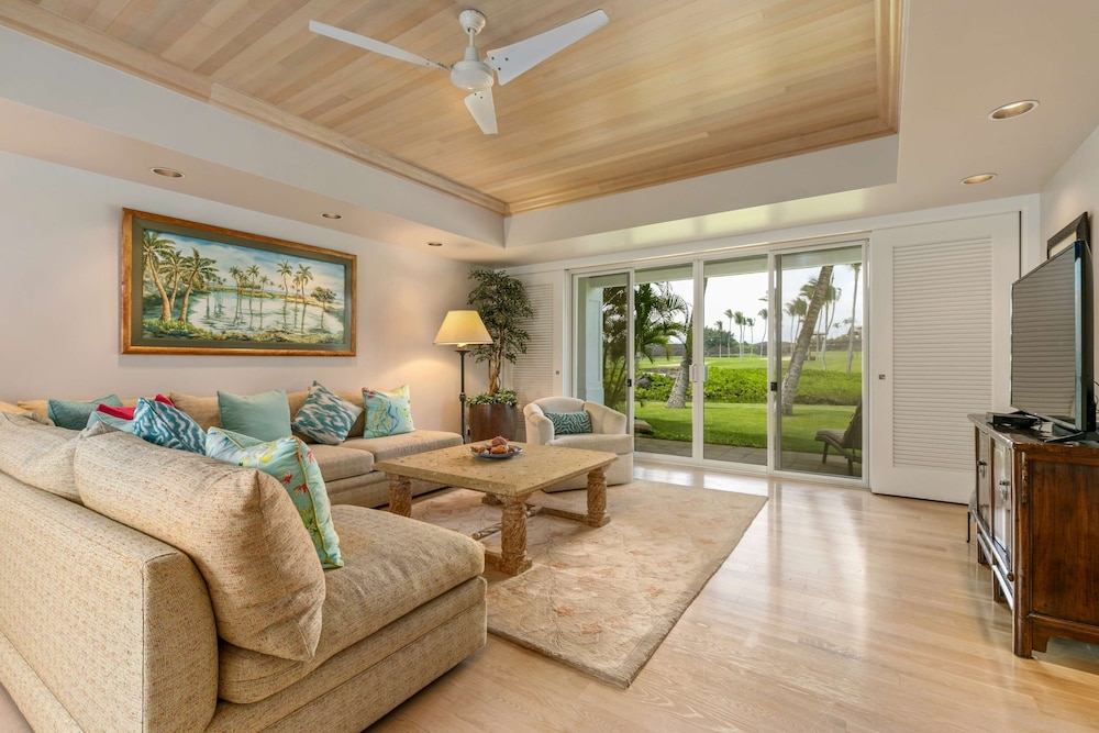 Living Area, The Islands at Mauna Lani, a Destination by Hyatt Residence