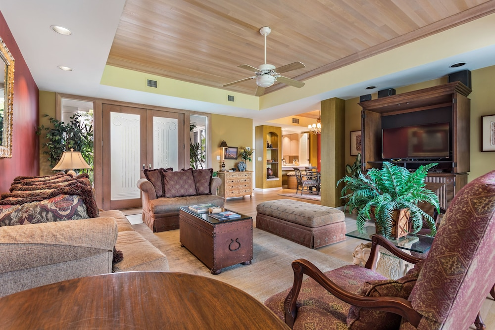 Living Room, The Islands at Mauna Lani, a Destination by Hyatt Residence