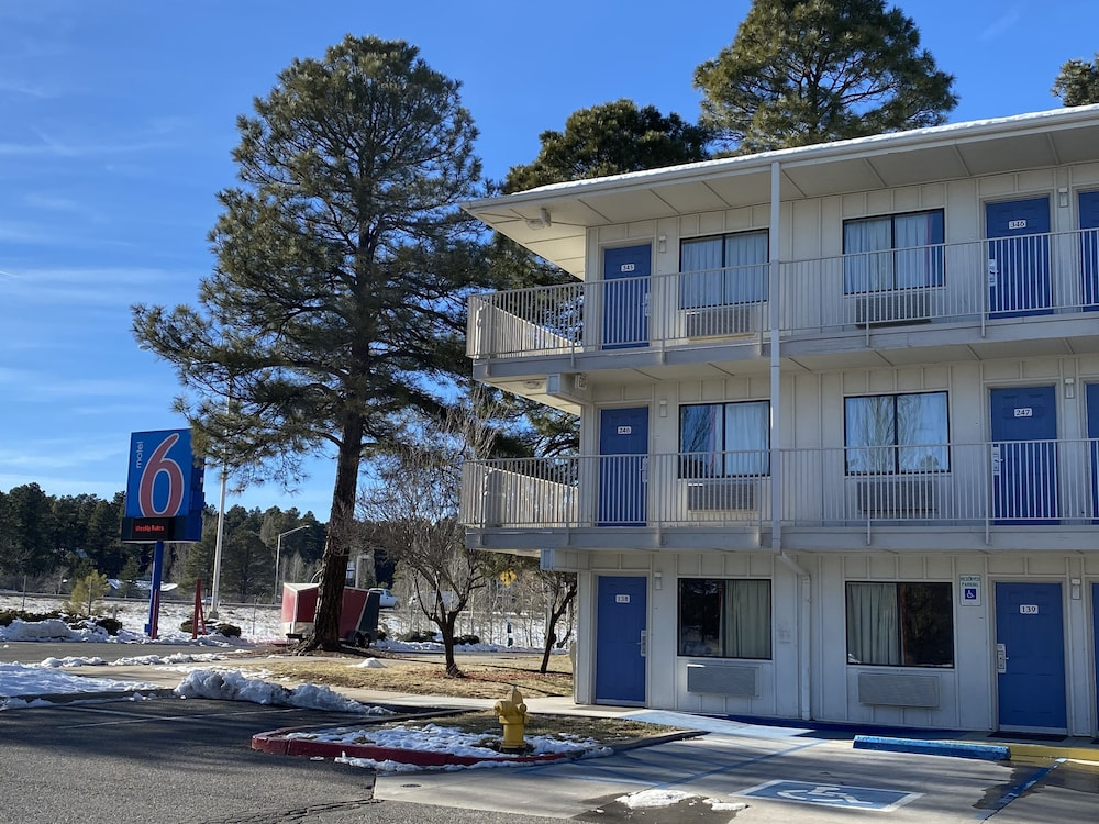 Exterior, Motel 6 Flagstaff, AZ - West - Woodland Village
