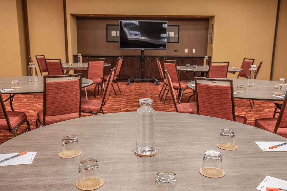 Meeting Facility, Courtyard by Marriott Chicago Magnificent Mile