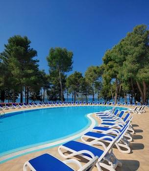 Hotel Sol Aurora For Plava Laguna Reviews Photos Rates Ebookers Com