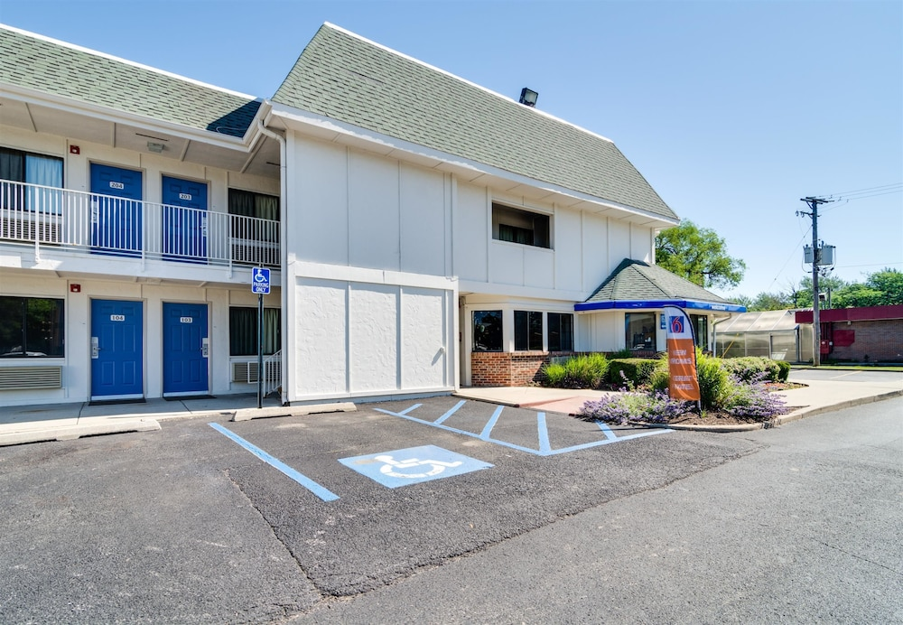 Motel 6 chicago o 39 hare schiller park schiller park il for Motels in chicago