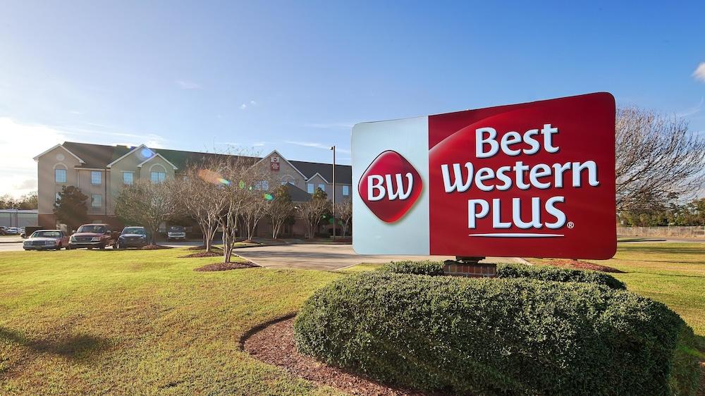 Best Western Plus The Charles Hotel