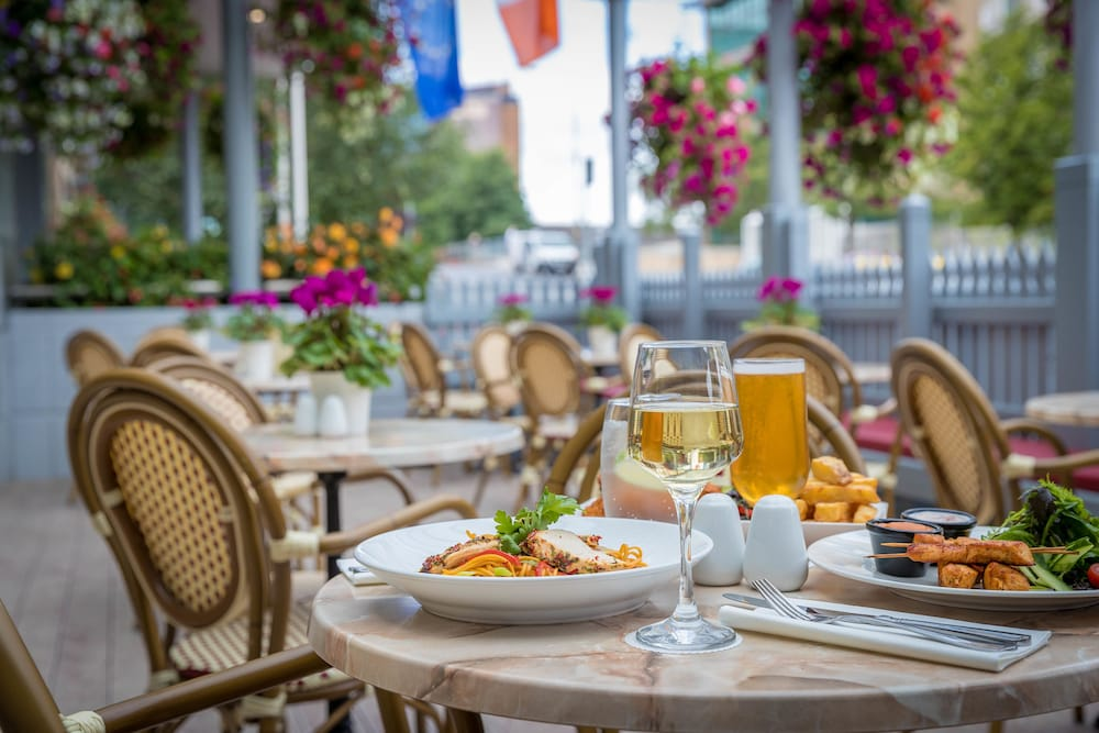 Outdoor Dining, Grand Canal Hotel Dublin