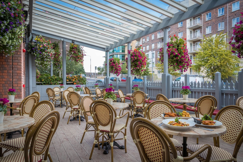Terrace/Patio, Grand Canal Hotel Dublin