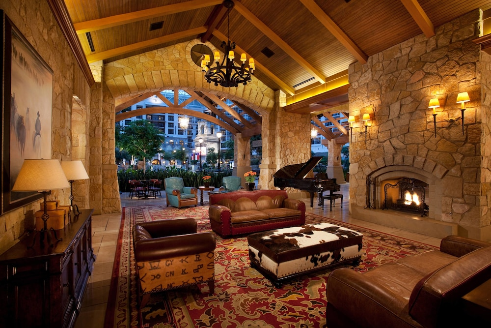 Lobby, Gaylord Texan Resort & Convention Center