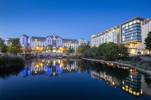 Great Place to stay Gaylord Texan Resort & Convention Center near Grapevine
