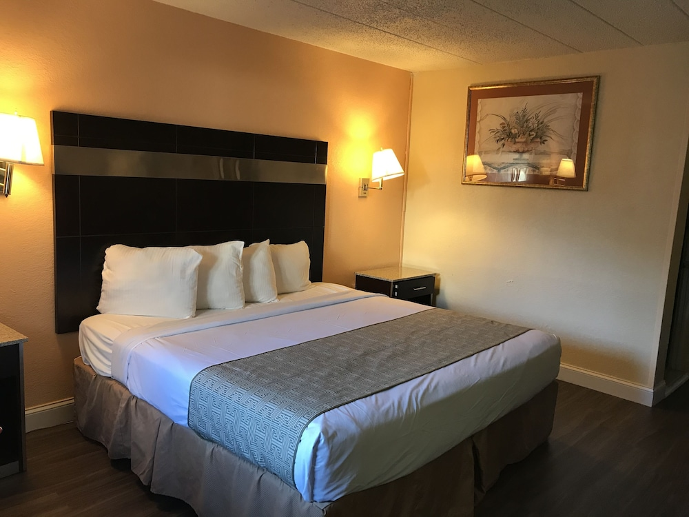 Room, Atlantic Motor Inn