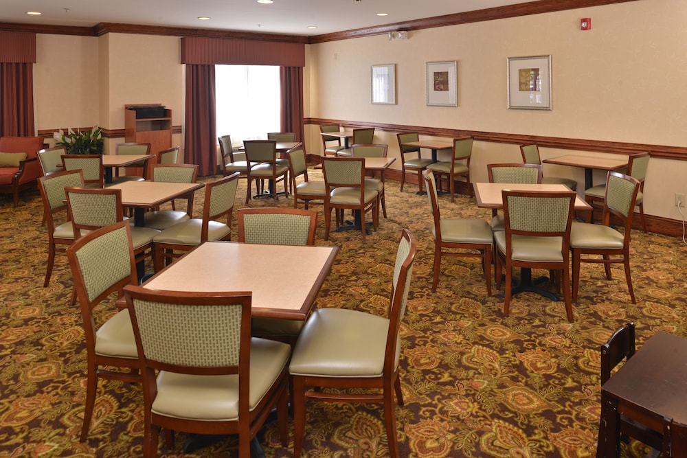 Breakfast Area, Country Inn & Suites by Radisson, Stone Mountain, GA