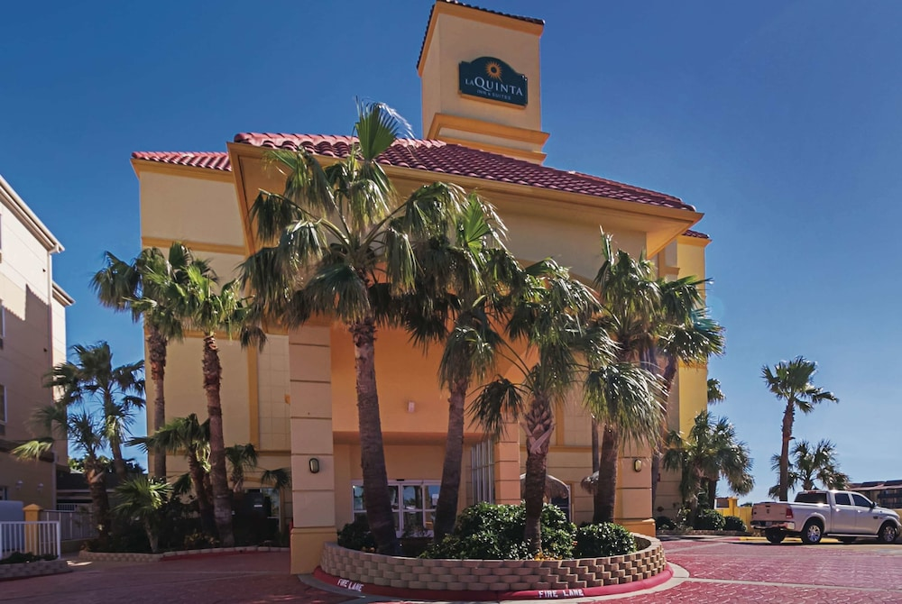Exterior, La Quinta Inn & Suites by Wyndham South Padre Island Beach