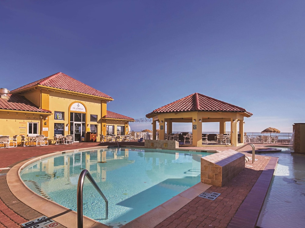 Pool, La Quinta Inn & Suites by Wyndham South Padre Island Beach