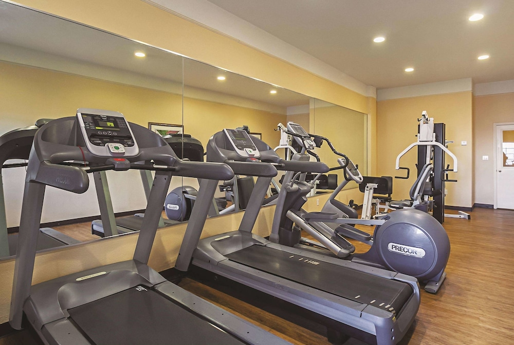Fitness Facility, La Quinta Inn & Suites by Wyndham South Padre Island Beach